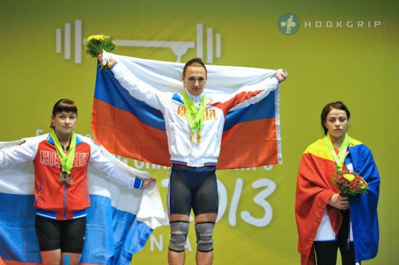 Краснодарская тяжелоатлетка Романова завоевала золотоЧЕ