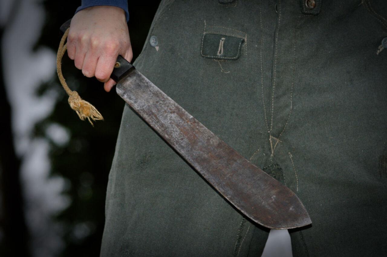 ВГермании беженец изнасиловал девушку наглазах уее молодого человека