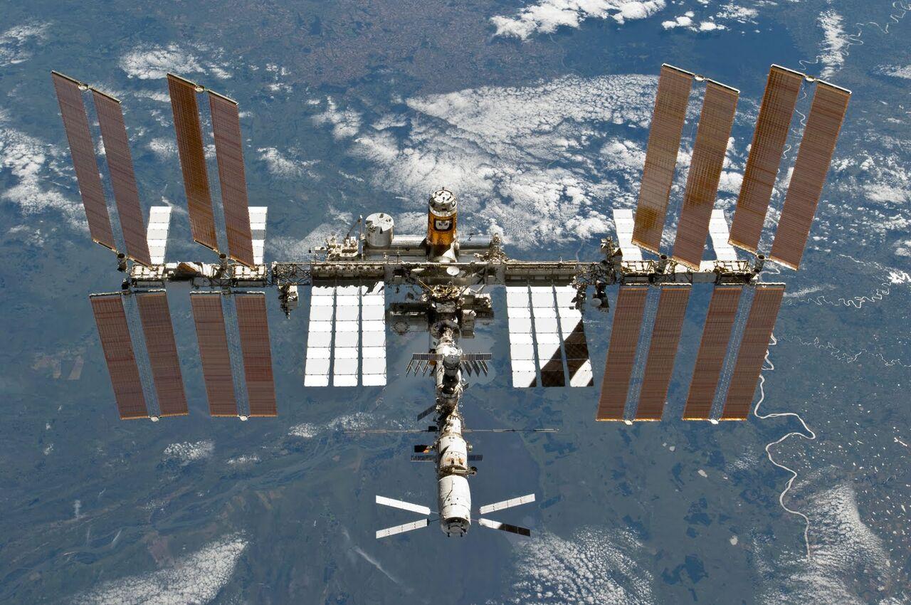 Сегодня русские космонавты совершат выход воткрытый космос