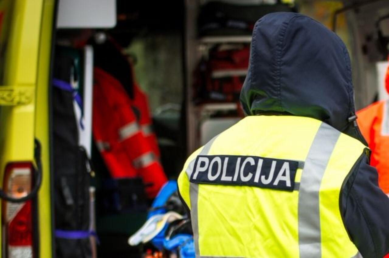 ВРиге 100-летний автомобилист на Мазда  протаранил автомобиль Mercedes