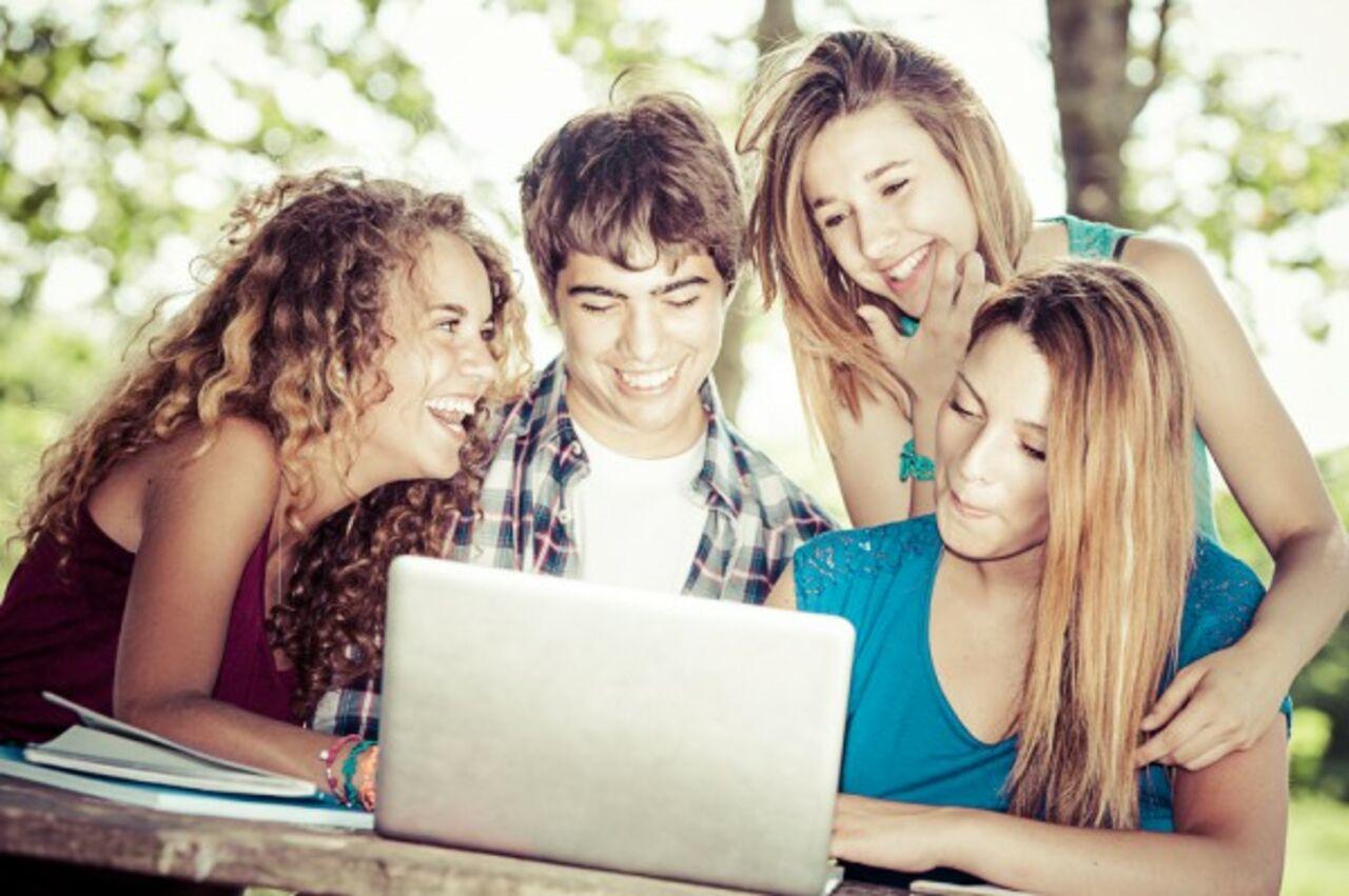 Студенты резвятся смотреть онлайн 6 фотография
