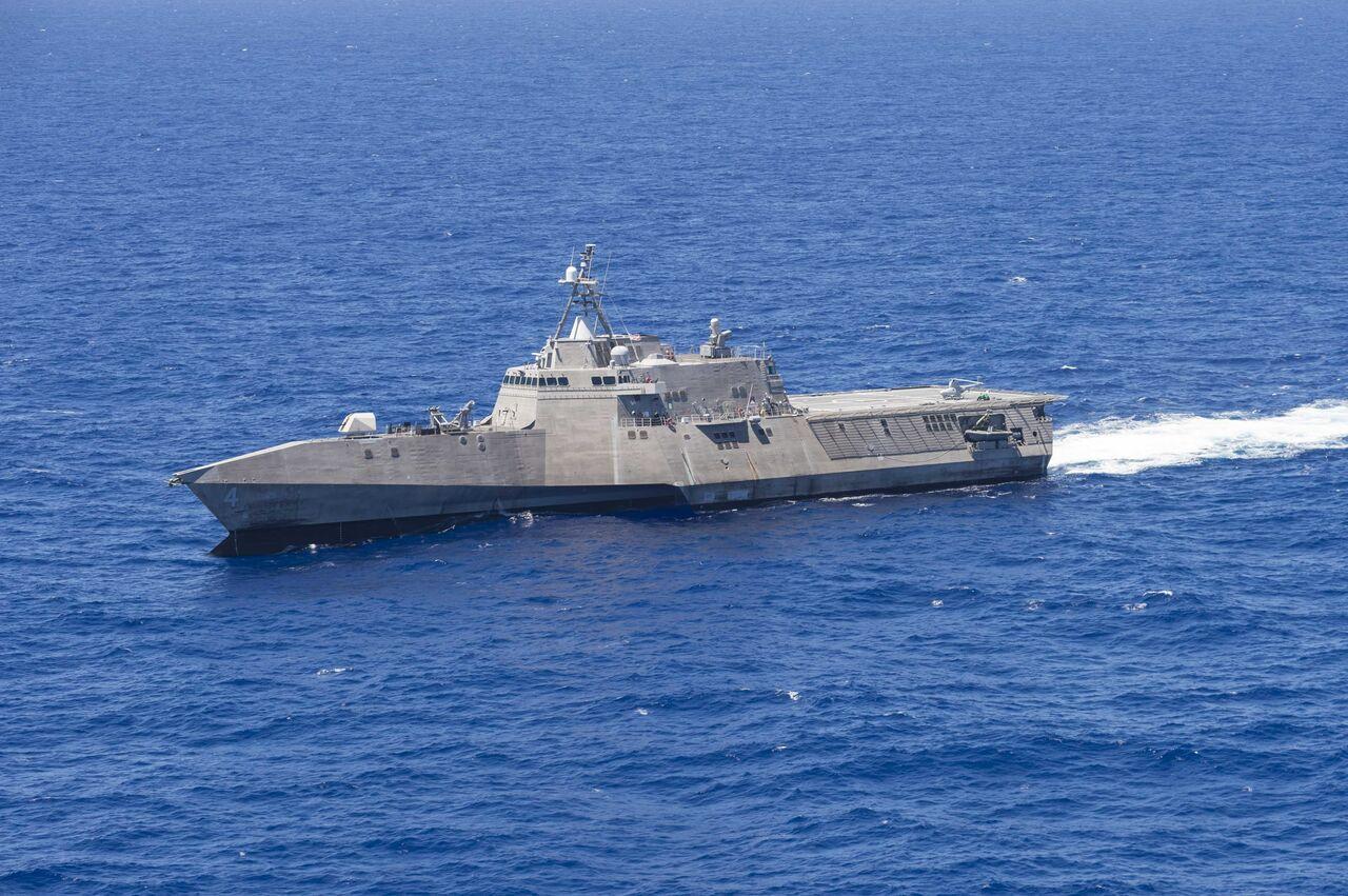 Корабль ВМС США вышел изстроя вТихом океане