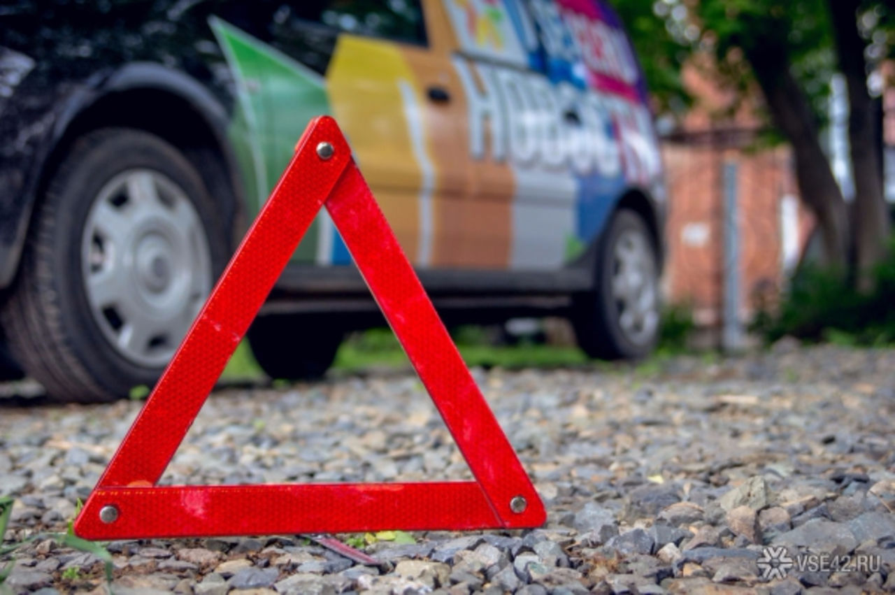 ВПрокопьевске нетрезвый шофёр совершил ДТП наугнанном автомобиле
