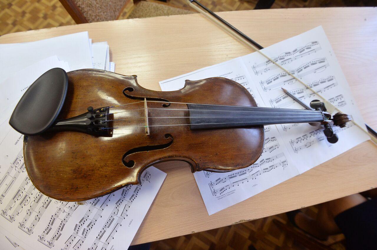Ускрипача Верникова вШвейцарии украли скрипку работы Гваданини
