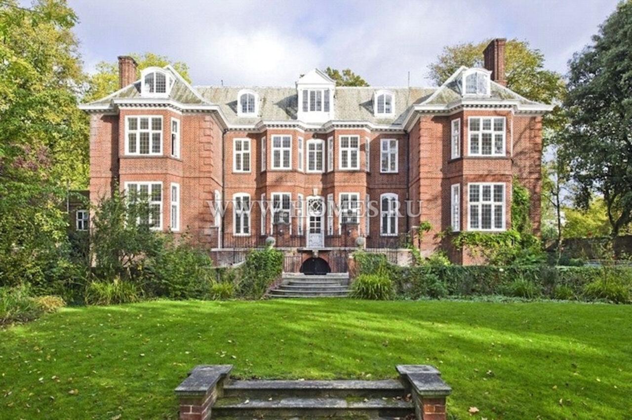 Лондонский дом русского олигарха захватили бомжи