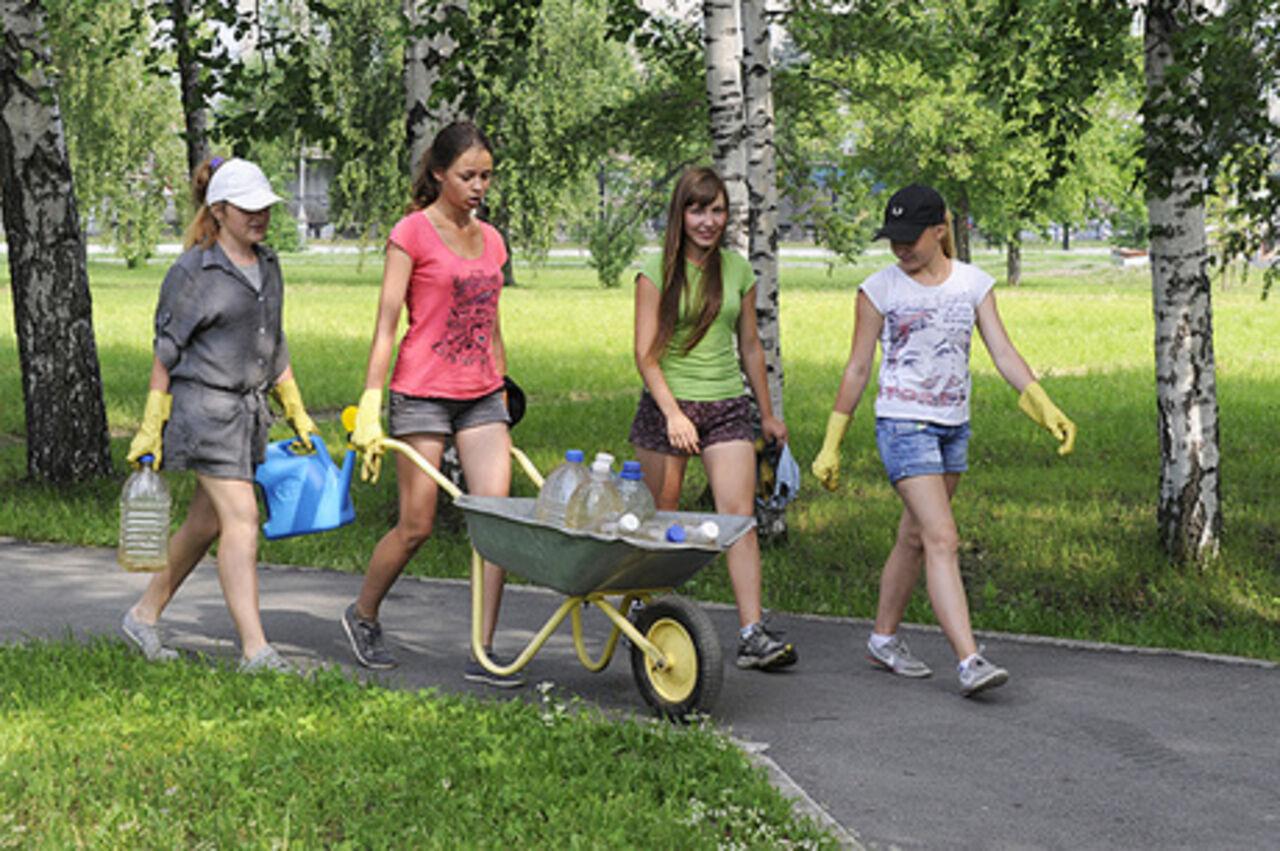 Путин утвердил продолжительность рабочего дня для несовершеннолетних