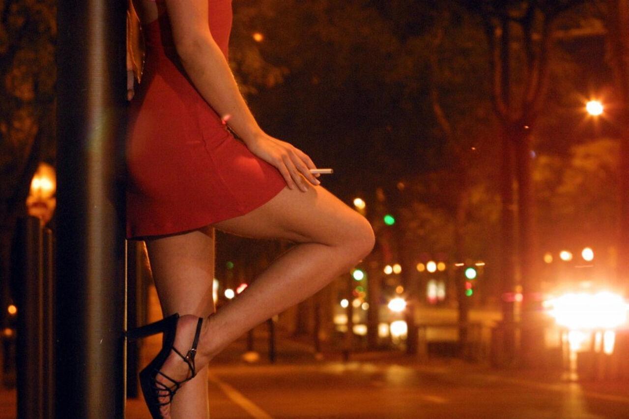 Проститутка и деньги 7 фотография