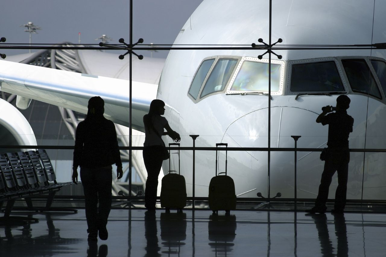 Новогодние праздники многим россиянам омрачил коллапс в московских аэропортах домодедово и шереметьево