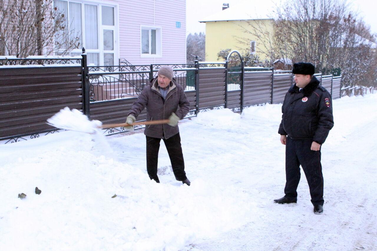 ВКемерове проверяют уборку снега в личном секторе