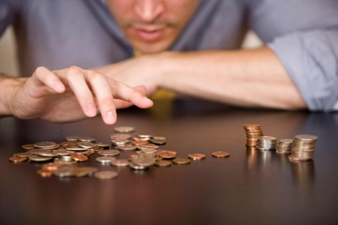 Задолженность по зарплате вУдмуртии сократилась на 100 000 руб.