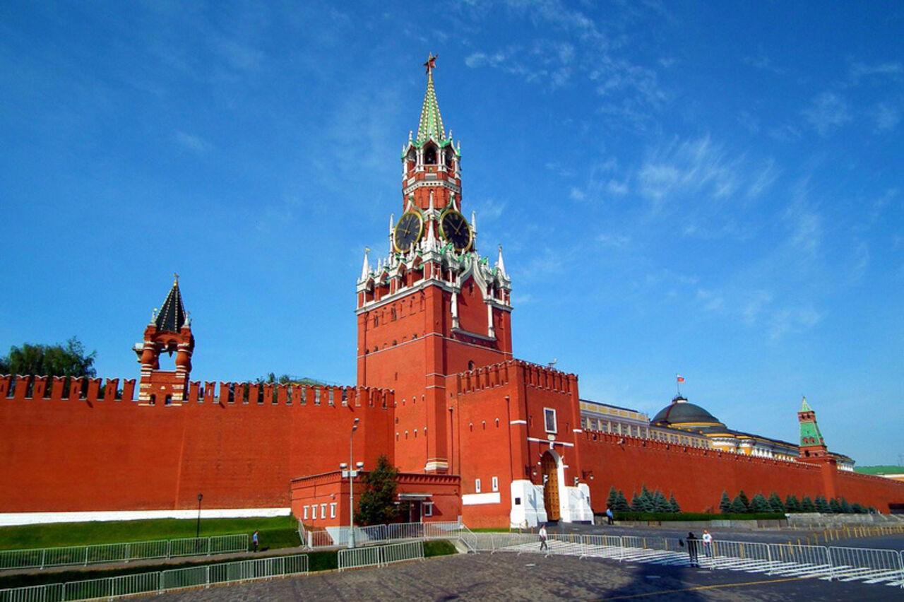 Среди граждан России растет запрос на«сильную» руку— Опрос