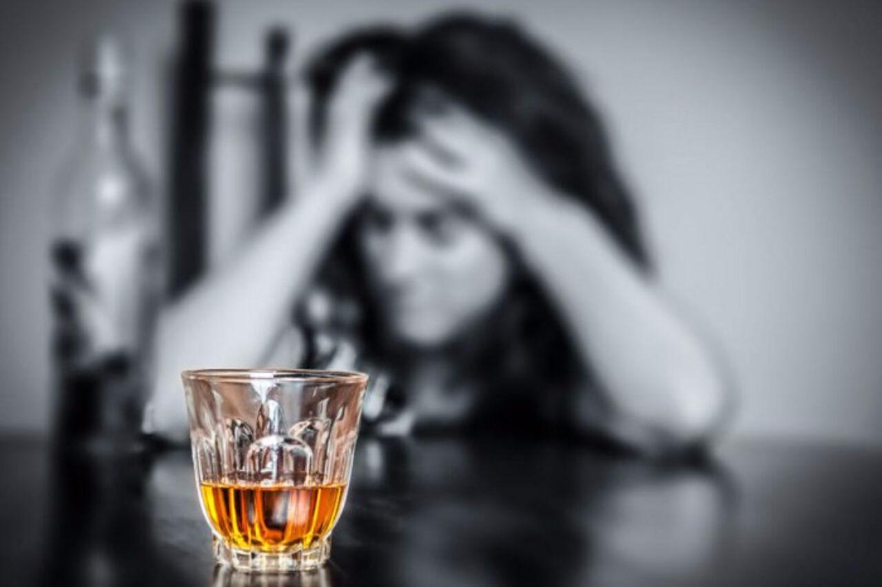 Чем небезопасен  спирт  для желудка: ответ мед. работника