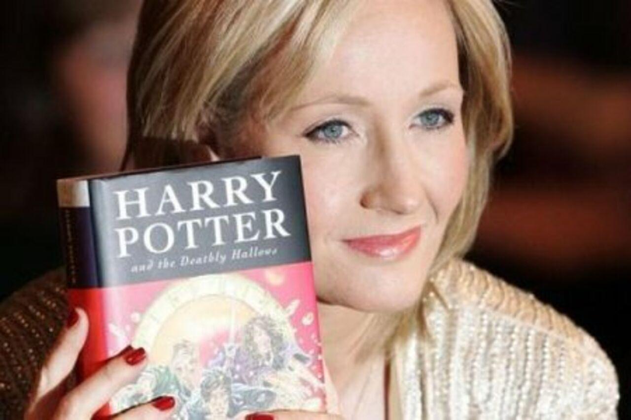 Открытка с приквелом к «Гарри Поттеру» похищена в Британии