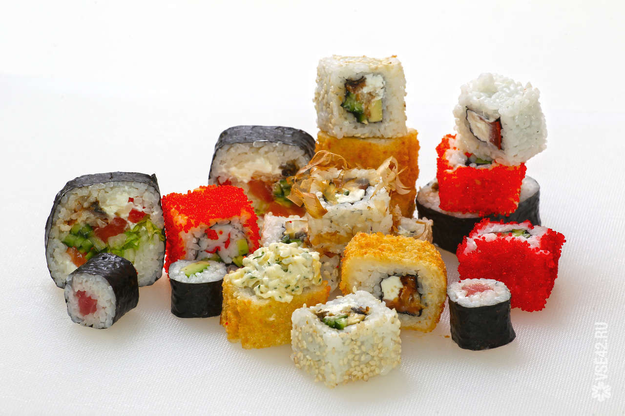 Новому клиенту, ролл Самурай в подарок! «РИС» - суши бар 59