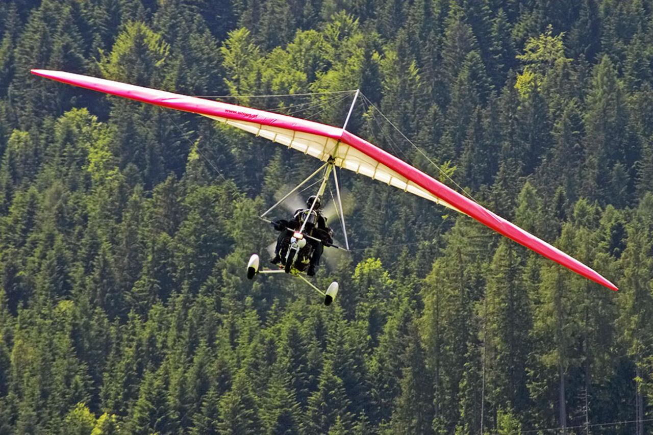 ВКрасноярском крае разбился дельтаплан, умер пилот