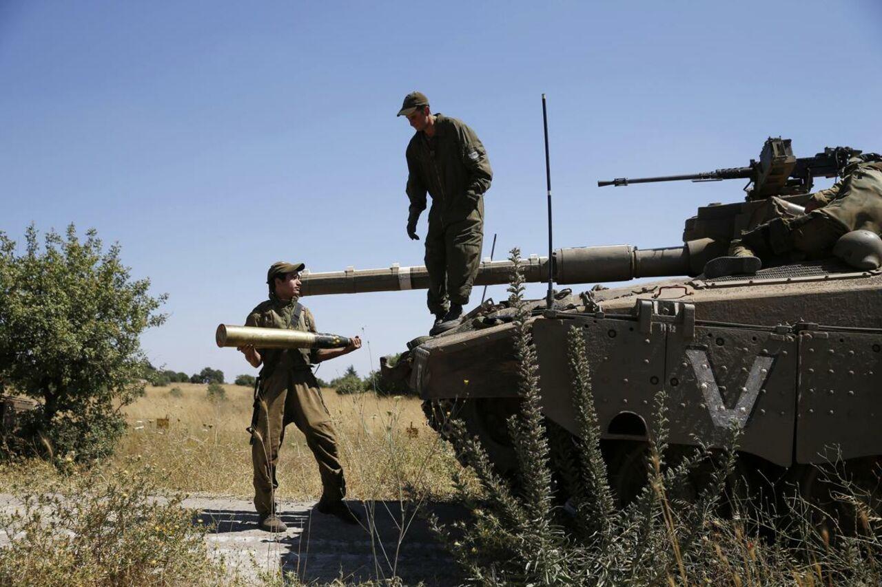 ИстребителиВС Израиля бомбят позиции войск Башара Асада вСирии