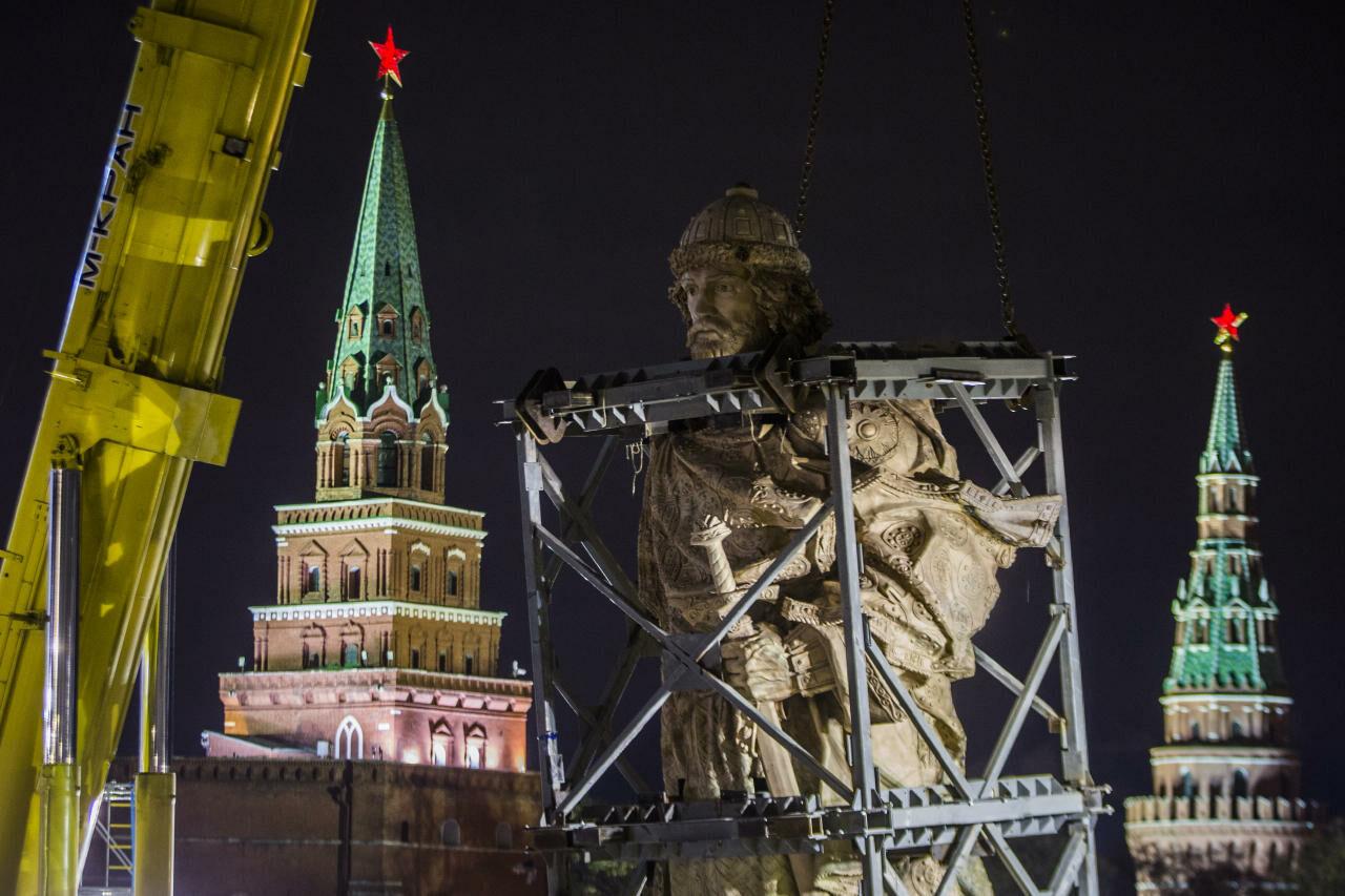 Монумент правителю Владимиру вскором времени повезут изХимок в столицуРФ почастям