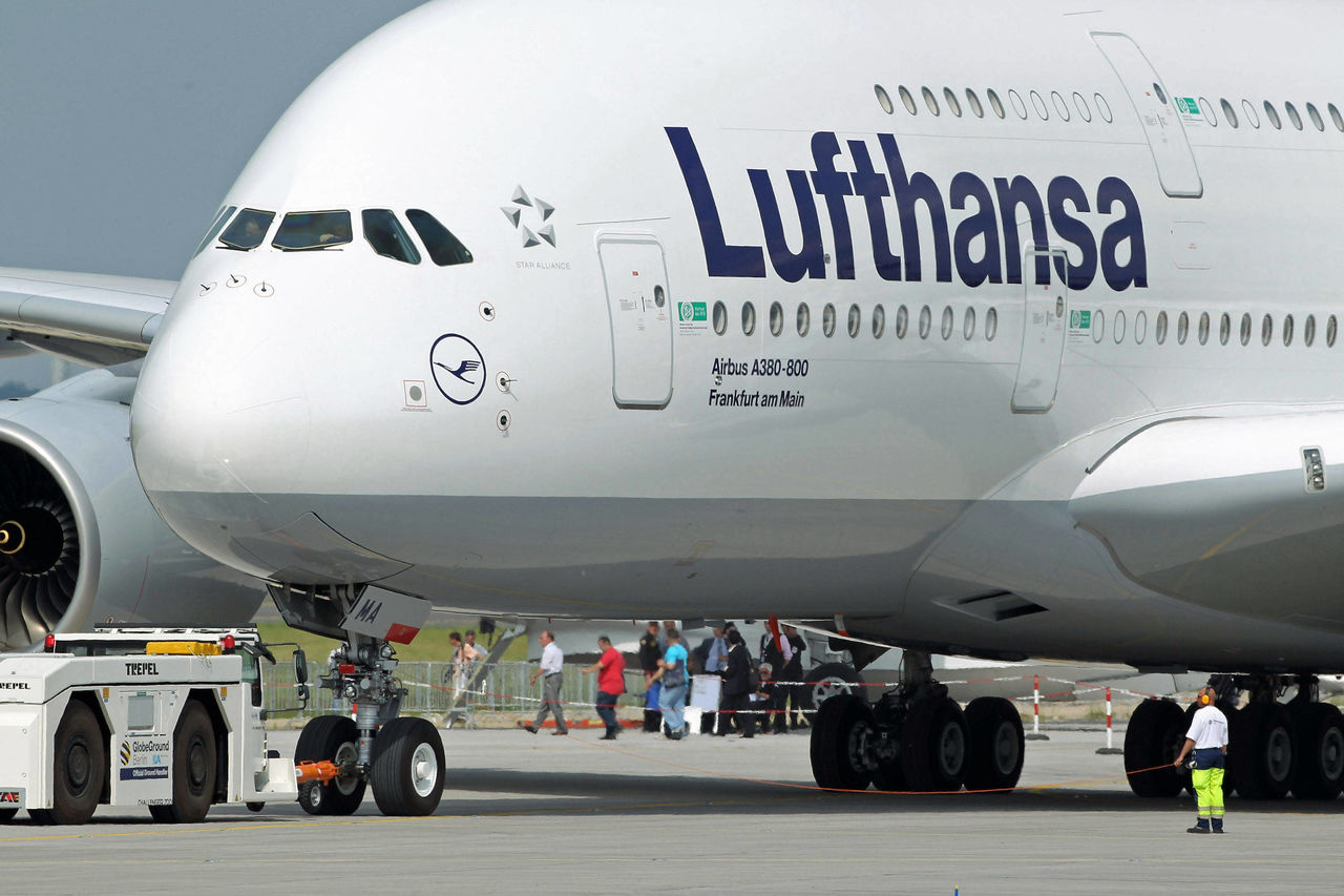 lufthansa international strategy Group strategy the goal of the lufthansa group is to be the first choice in aviation for customers, employees, shareholders and partners going forward.