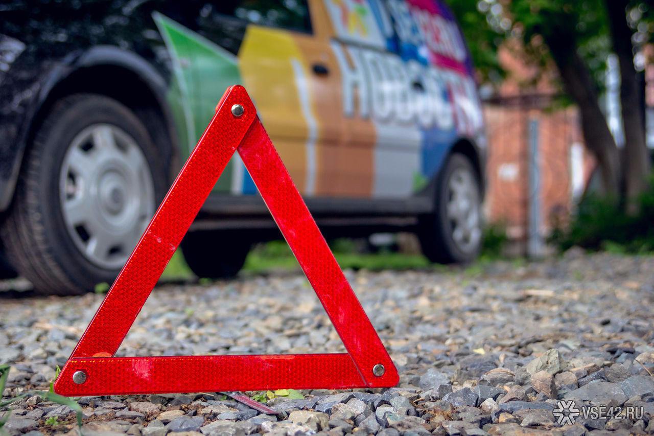 Автомобиль ДПС сбил женщину наЮжном вКемерове