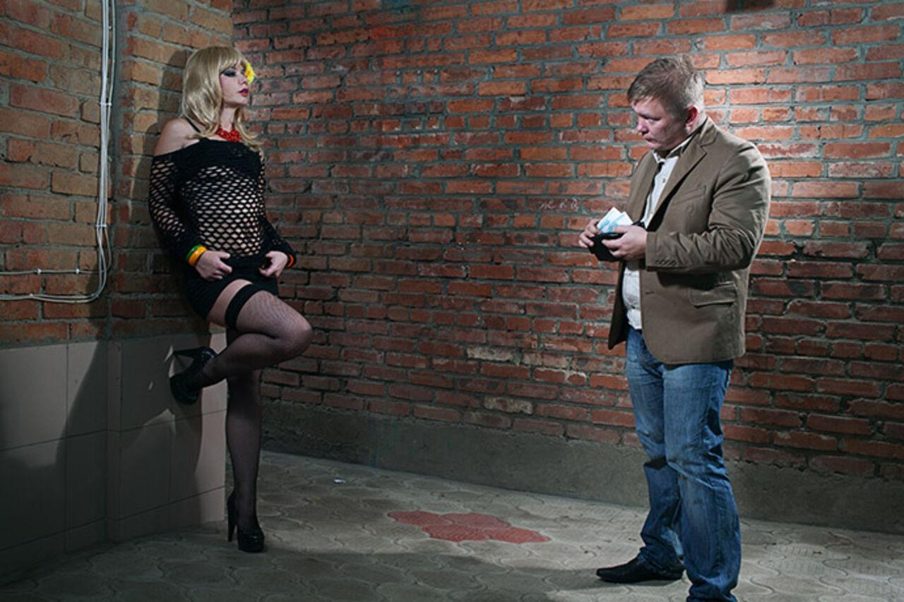 МВД Латвии предлагает поднять минимальный возраст занятия проституцией