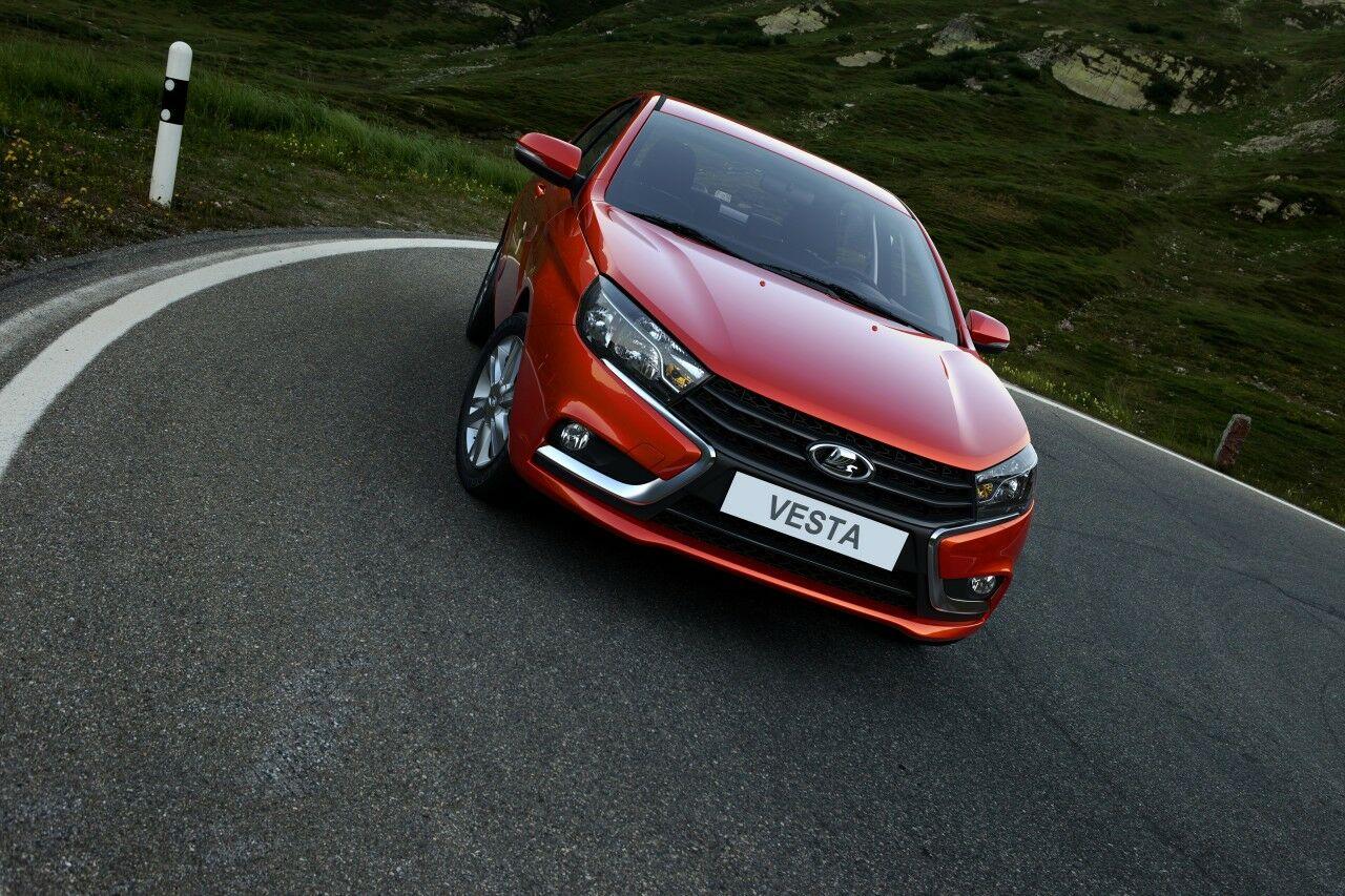 Лада Vesta завоевала премию русского автомобильного форума в категории «Лучший продукт года»