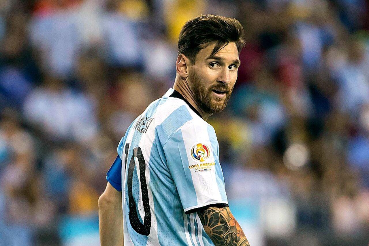 ФИФА может дисквалифицировать Лионеля Месси заоскорбление арбитра вматче сЧили