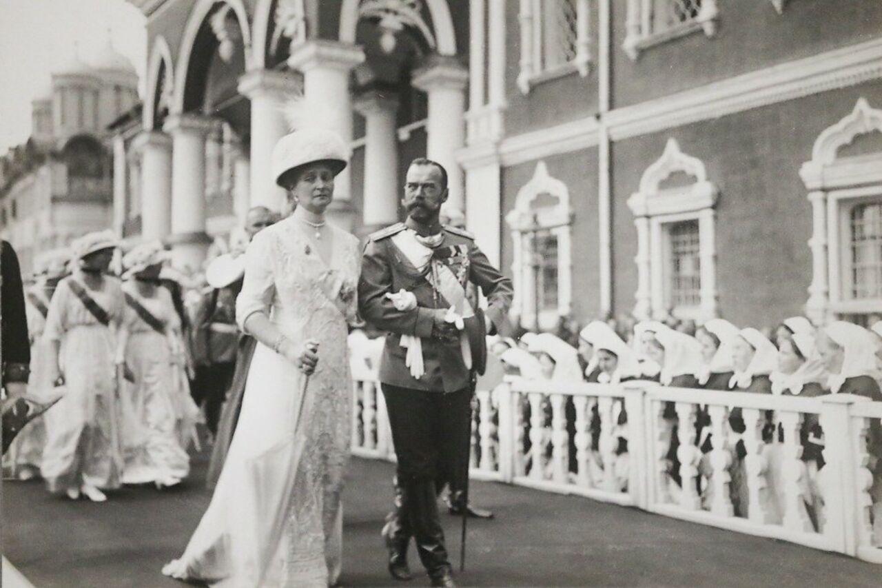 ВГосархиве открыли выставку фотографий, посвящённой Александре Федоровне Романовой