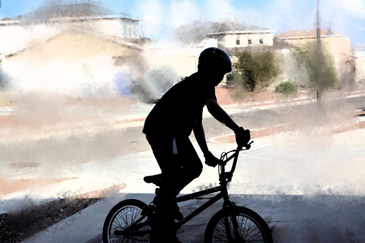 ВКемерове иностранная машина сбила 12-летнего велосипедиста