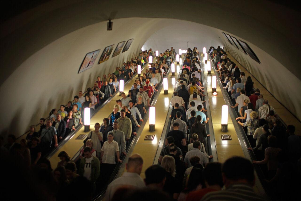Пассажирам московского метро предложат отказаться отпоездок вчасы пик