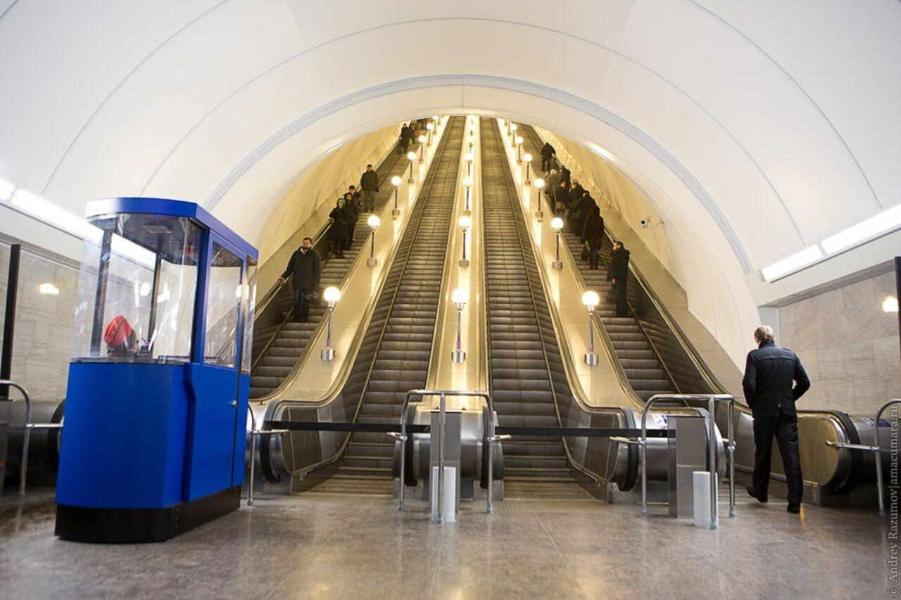 На «синей» ветке метро устанавливают оборудование для доступа кWi-Fi