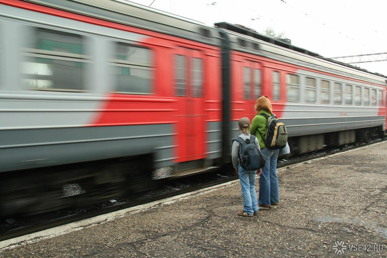 Пытавшийся зарезать проводника гражданин Рязани поехал в клинику другим поездом