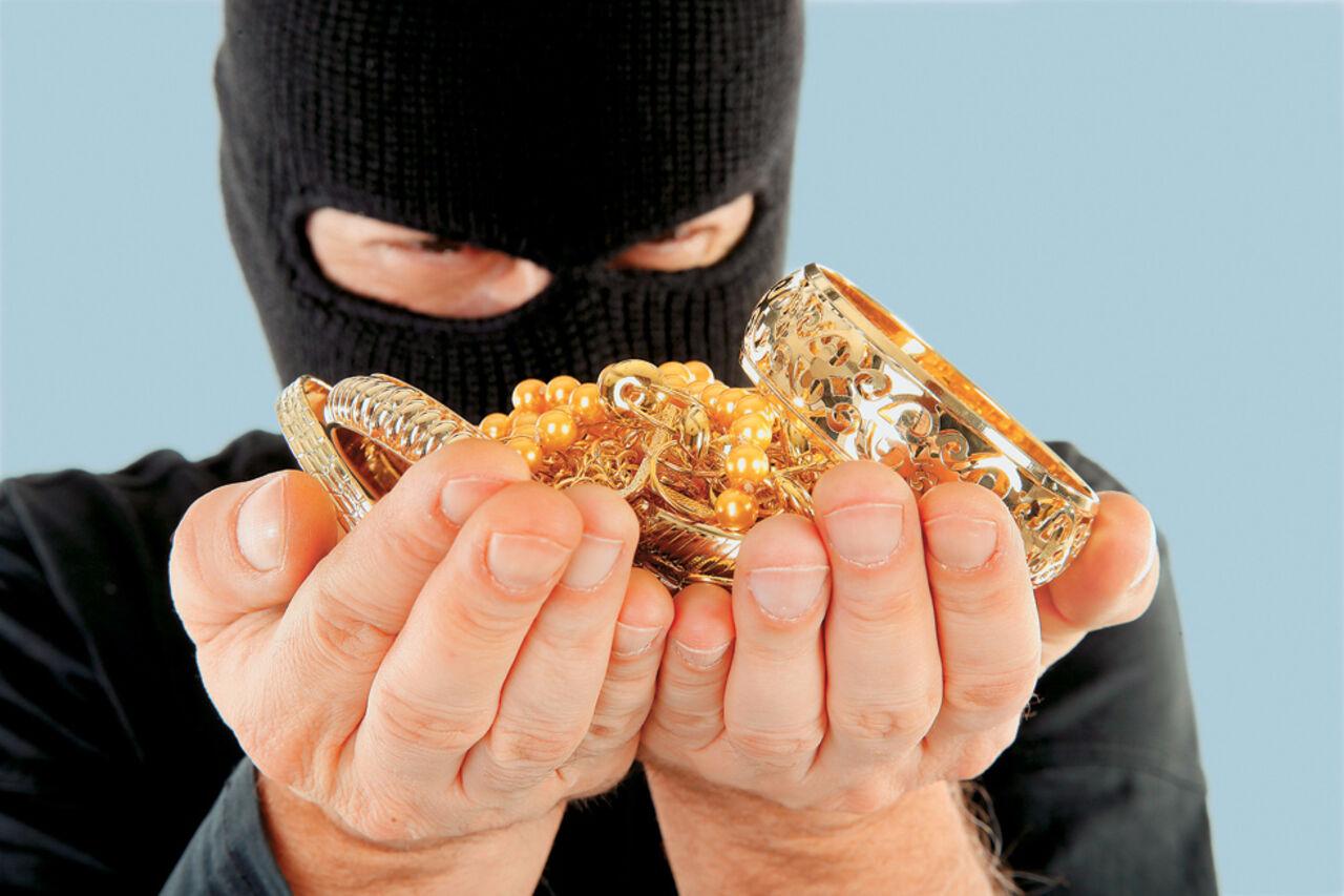 Измосковской квартиры похитили украшения на8 млн руб.