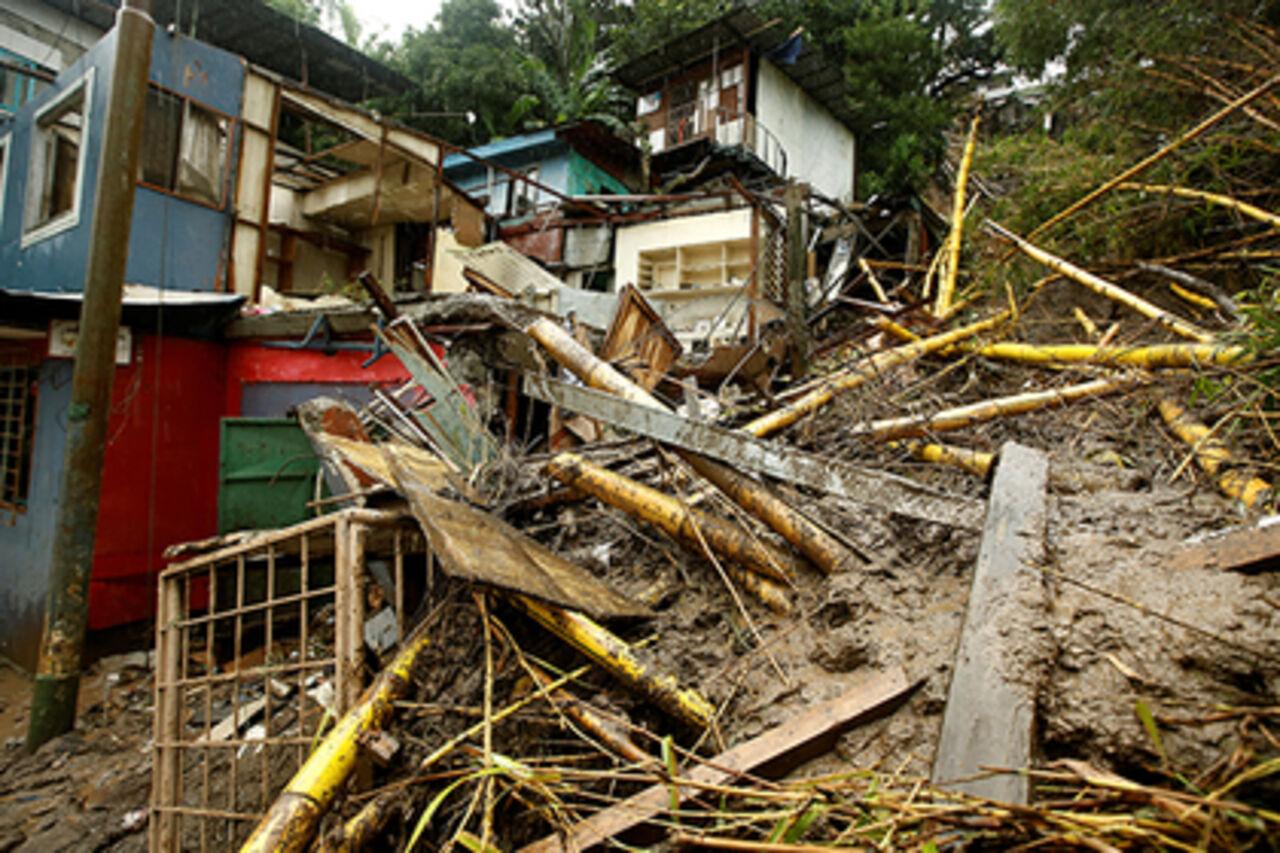 Жертвами шторма «Нейт» вНикарагуа иКоста-Рике стали неменее 20 человек
