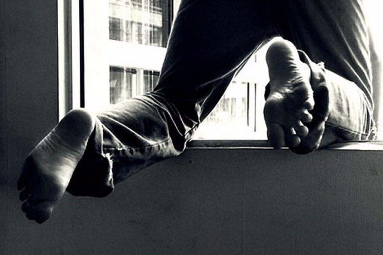 Кемеровчанин сломал ноги, пытаясь вернуть похищенные вещи