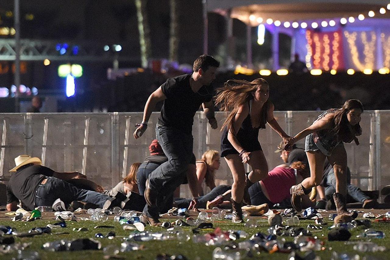 Стрелок, устроивший массовое убийство вЛас-Вегасе, произвел неменее 1 тыс выстрелов