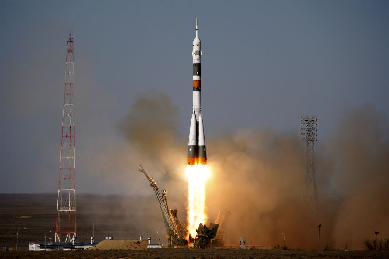 Ракета-носитель'Союз-ФГ с пилотируемым кораблем'Союз МС-07 стартовала в воскресенье утром с космодрома Байконур передает ТАСС