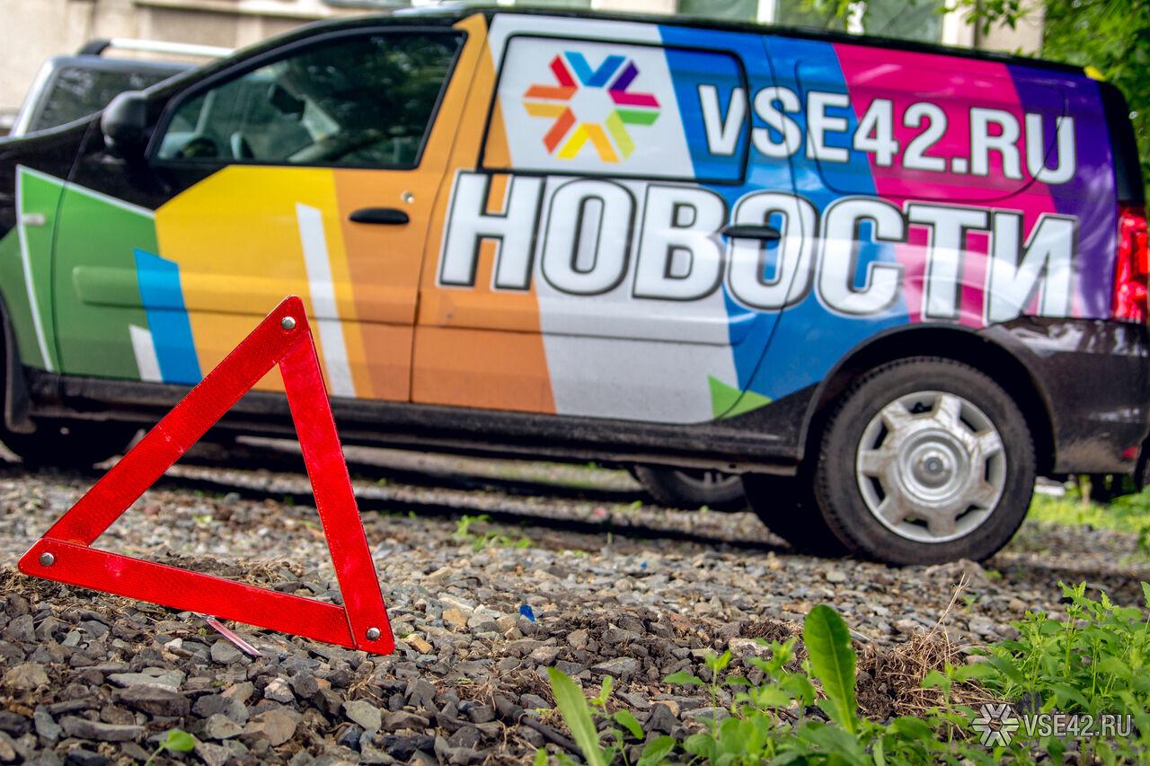 ВКузбассе автобус свахтовиками протаранил КамАЗ, трое пострадали