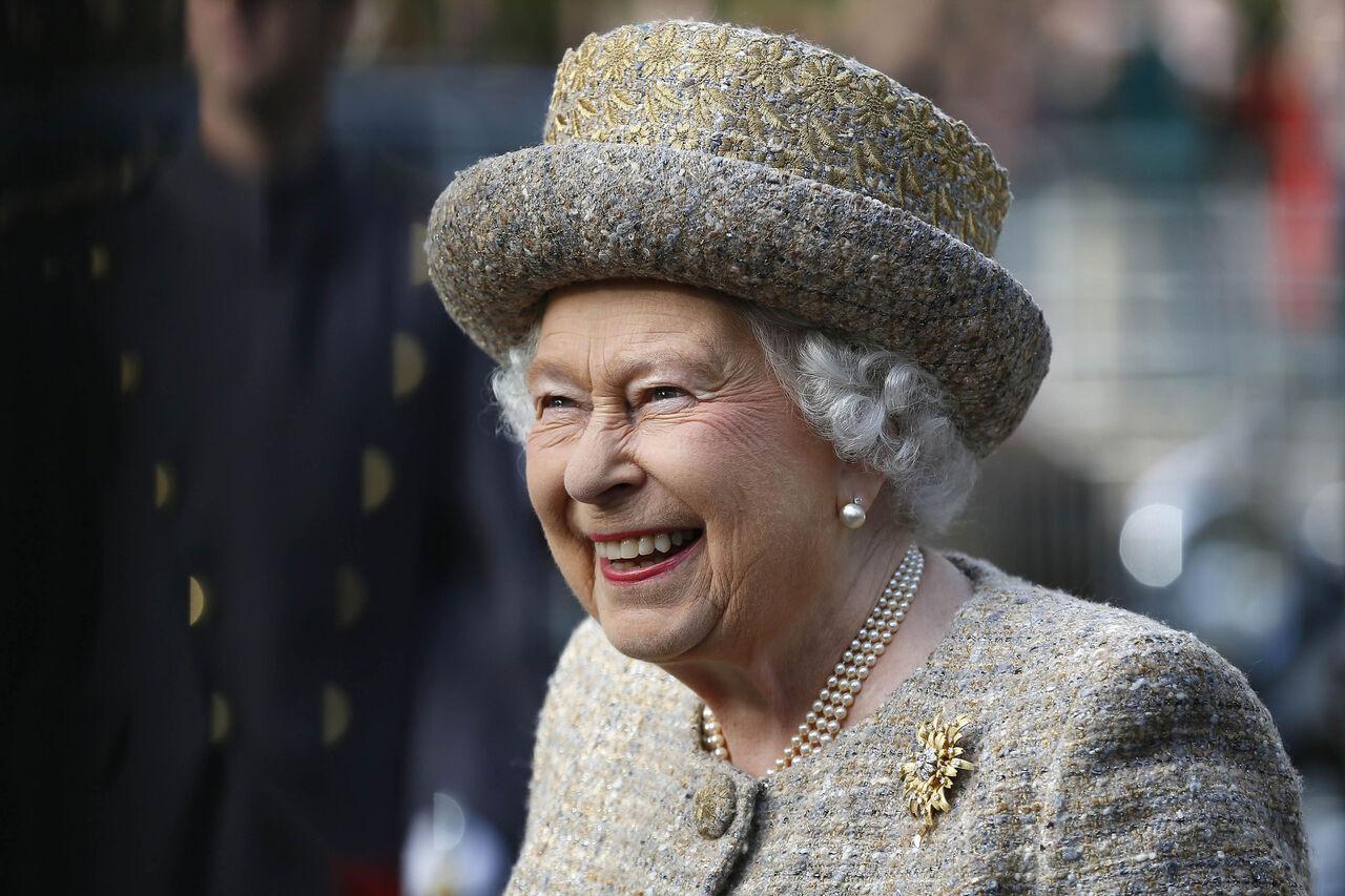 Королева ЕлизаветаII оттяпала кусок украинской столицы