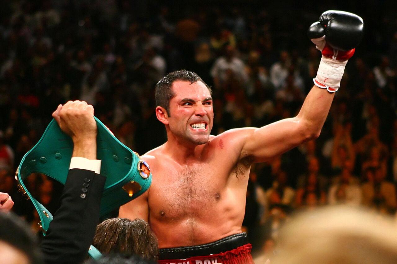 Профессиональный боксер Оскар де ла Хойя намерен баллотироваться на пост президента США в2020 году