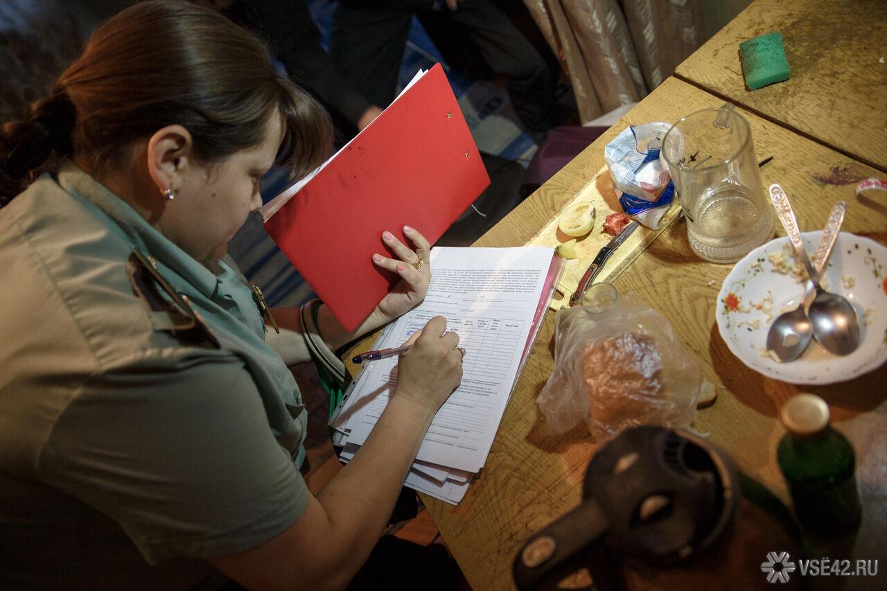 Кузбасский репортер сматами выгнал судебных приставов изредакции