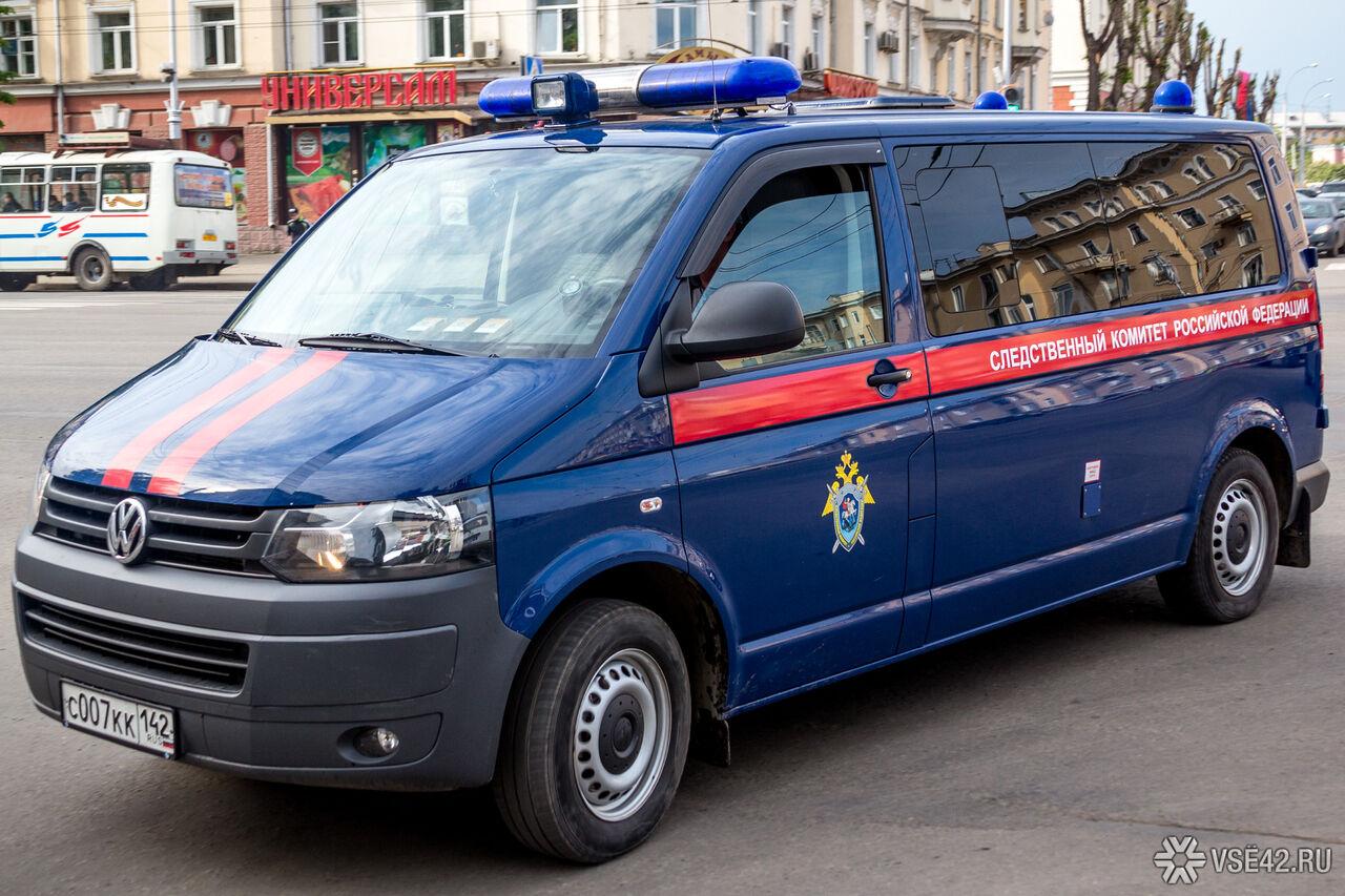 ВКузбассе мужчина убил соседей, поджег ихдом изастрелился