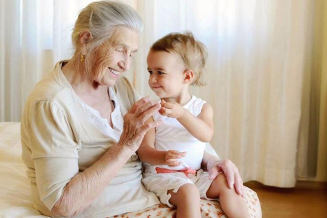 Старуха учит внука любви 16 фотография