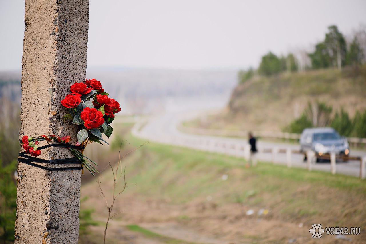 ВБашкирии опрокинулся лесовоз, погибли четверо