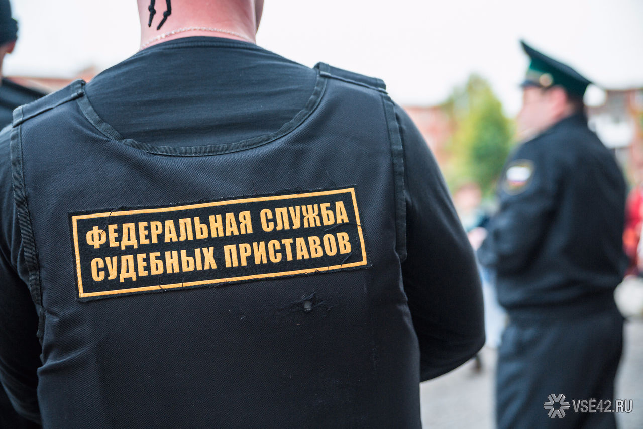 Омича выселили изквартиры за6 лет долгов покоммуналке