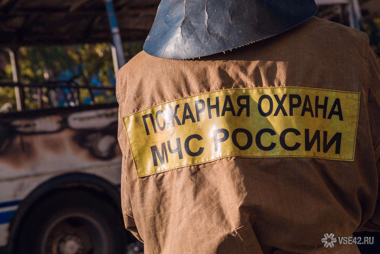 Ночью вгороде Междуреченск сгорел автомобиль ВАЗ