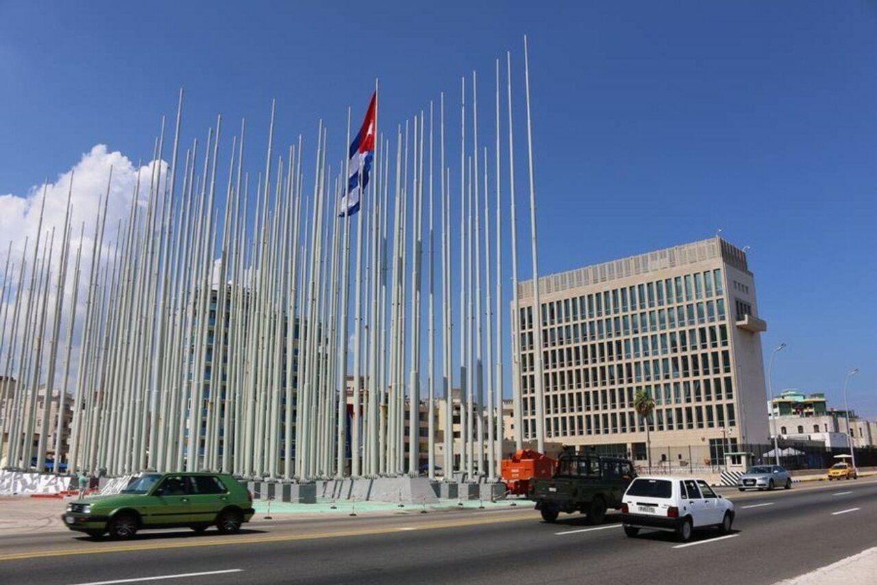 США закончили  выдачу собственных  виз наКубе иначали эвакуацию дипломатов