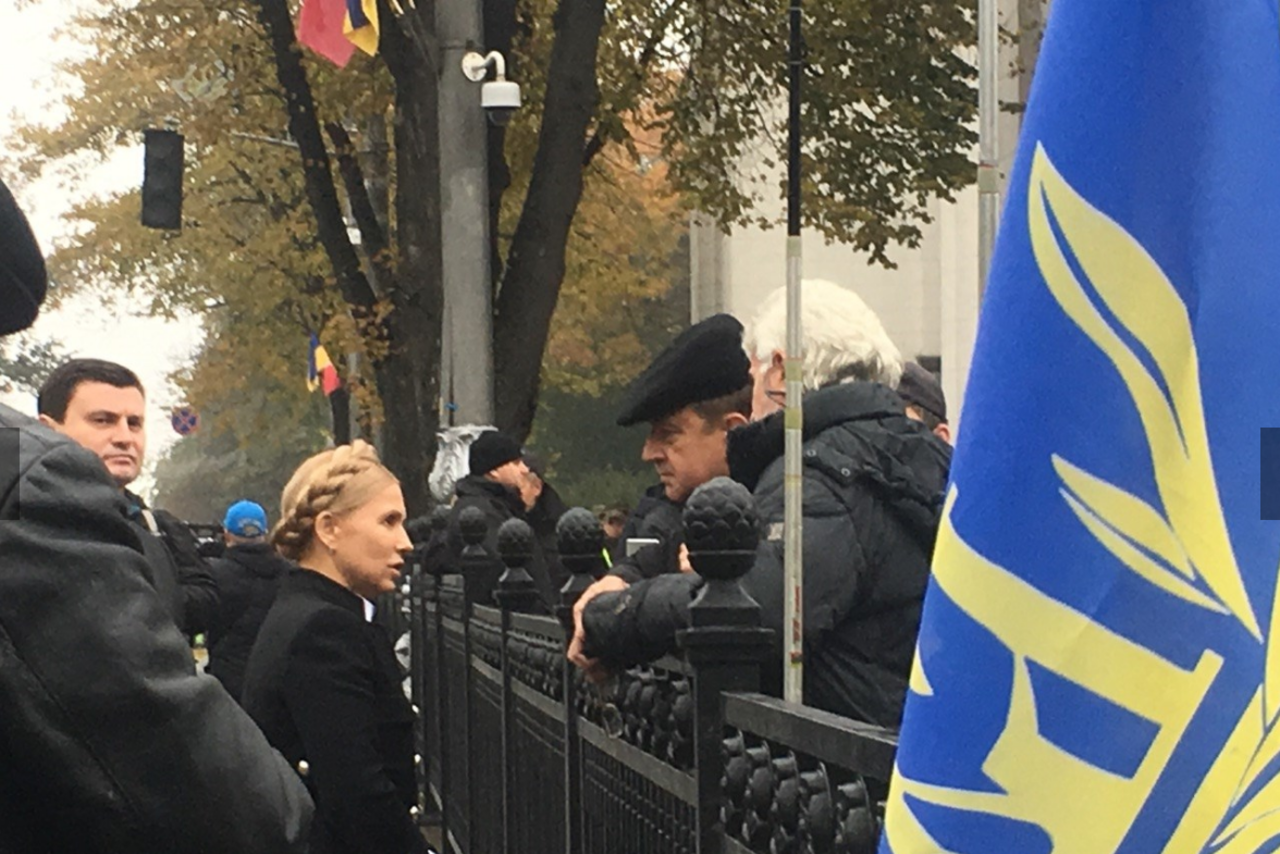 Двоих силовиков избили вовремя митинга уВерховной рады