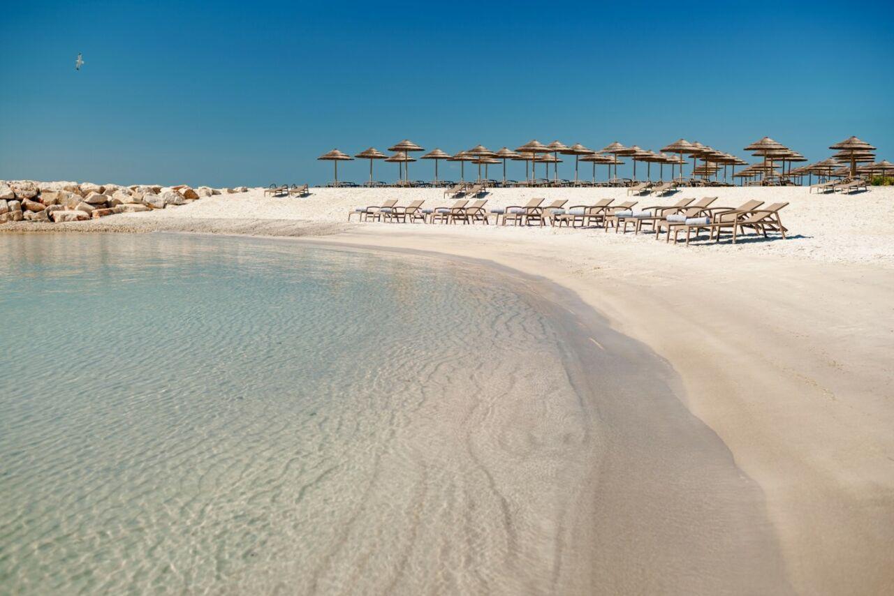 Турист собрал вбутылку песок и оплатил  властям Сардинии тысячу евро