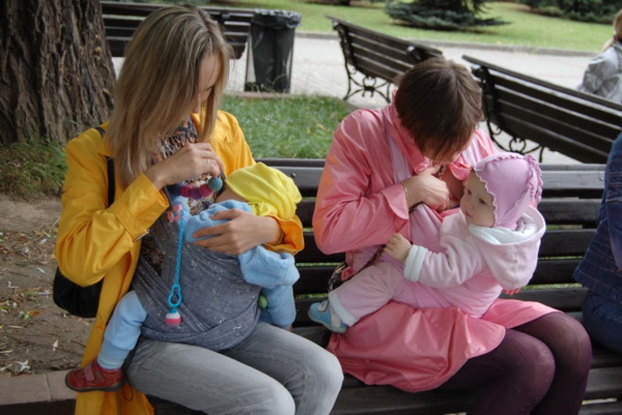 Фото молодых мам на улице 3 фотография
