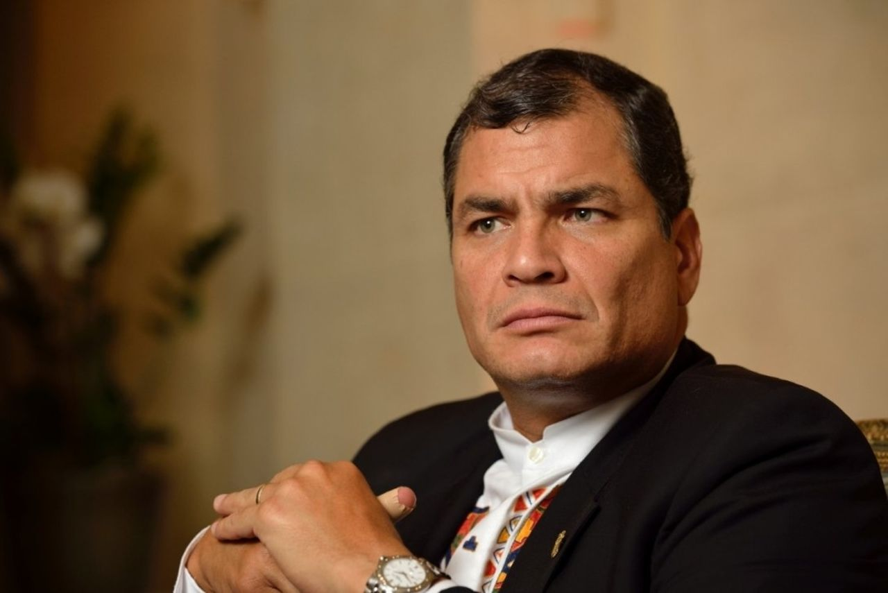 Эквадорский суд заочно принял решение поместить под стражу экс-главу государства Рафаэля Корреа